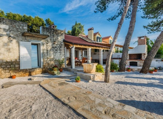beach_house_brac-feat