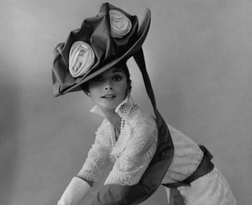 cecil-beaton-vogue-december-19631