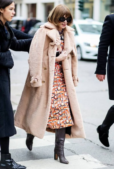 anna-wintour-miraculously-wore-the-same-boots-with-11-outfits-2649486.600x0c