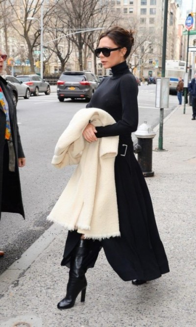 Victoria Beckham keeps it chic in Manhattan!