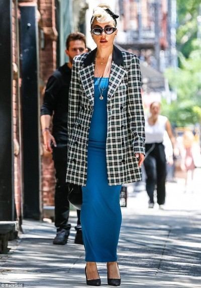 lady-gaga-steps-out-in-nyc-in-chic-dress-and-retro-hairdo-2
