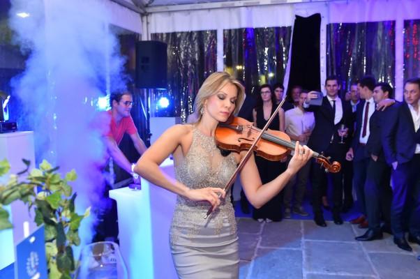Nastop violinistke Alenke Semeja je požel velik aplavz